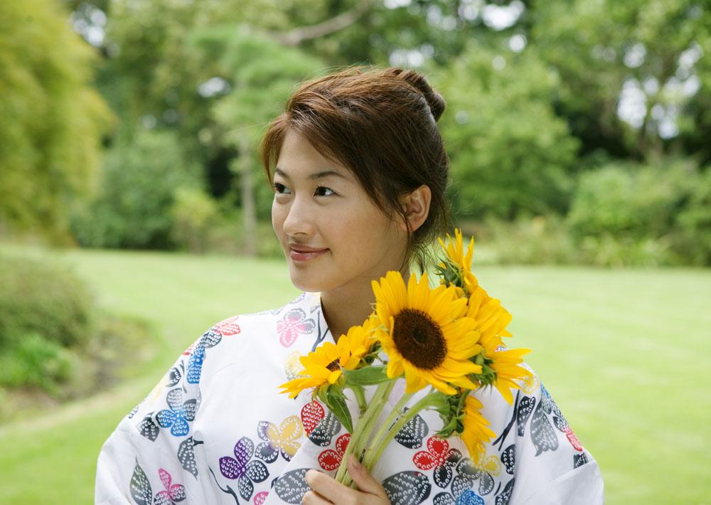 女性,性感美女,日本美女,日本文化,鲜花,葵花,向日葵,和服,模特,美女