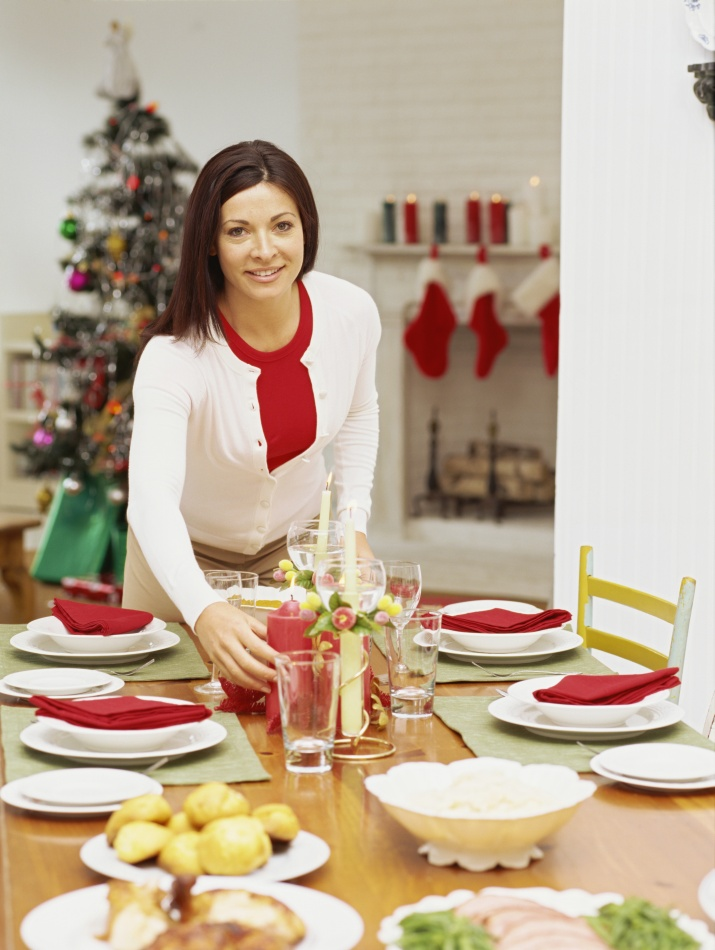 布置圣诞节美女的晚餐最漂亮哪个美女图片