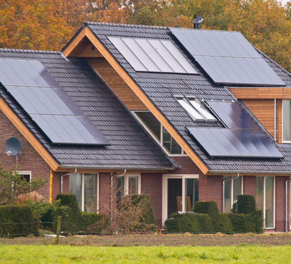 屋顶的家用太阳能图片